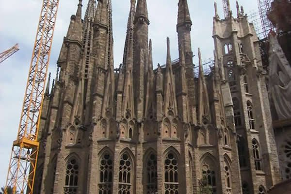 Sagrada Familia Gets Final Completion Date - 2026 or 2028