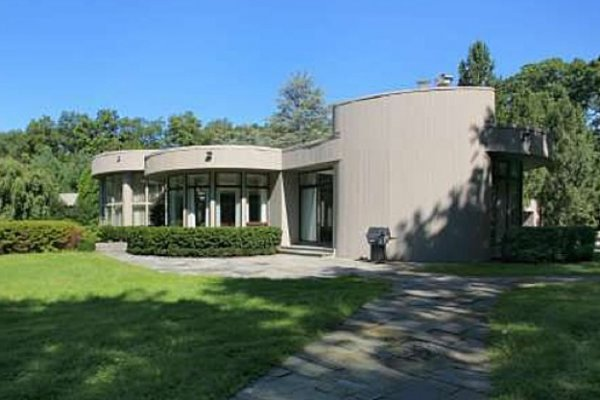 Whitney Houston New Jersey Home On Sale