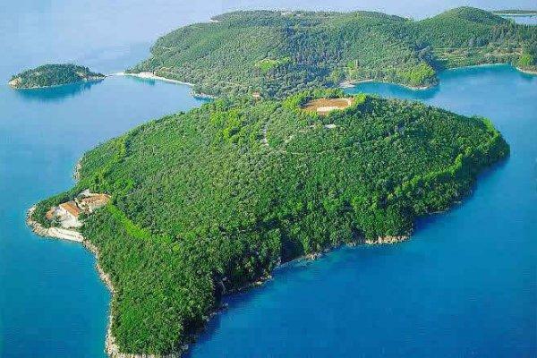 Greece to Lease 40 Uninhabited Islands