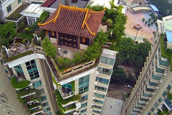 Illegal Rooftop Temple Like Structure Reported In Shenzhen