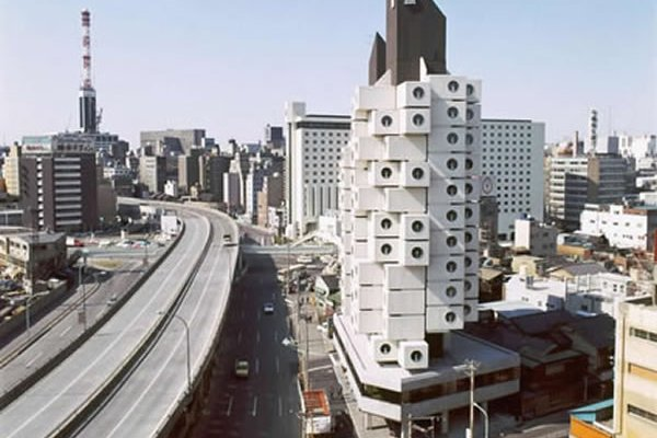 Tokyo's Futuristic Capsule Tower Threatened With Demolition