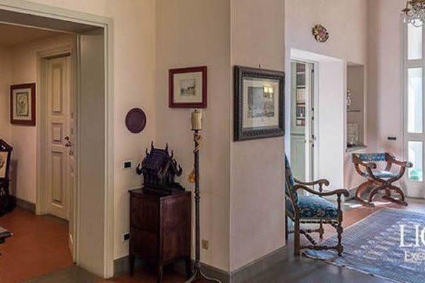 Italian Villa Decorated By Leonardo Da Vinci Goes On Sale In Tuscany