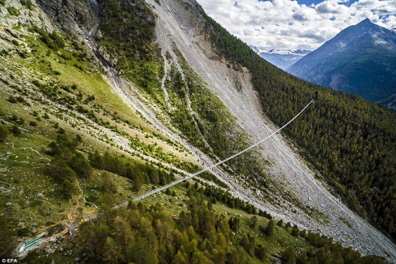 В Швейцарии Открылся Самый Длинный Подвесной Пешеходный Мост