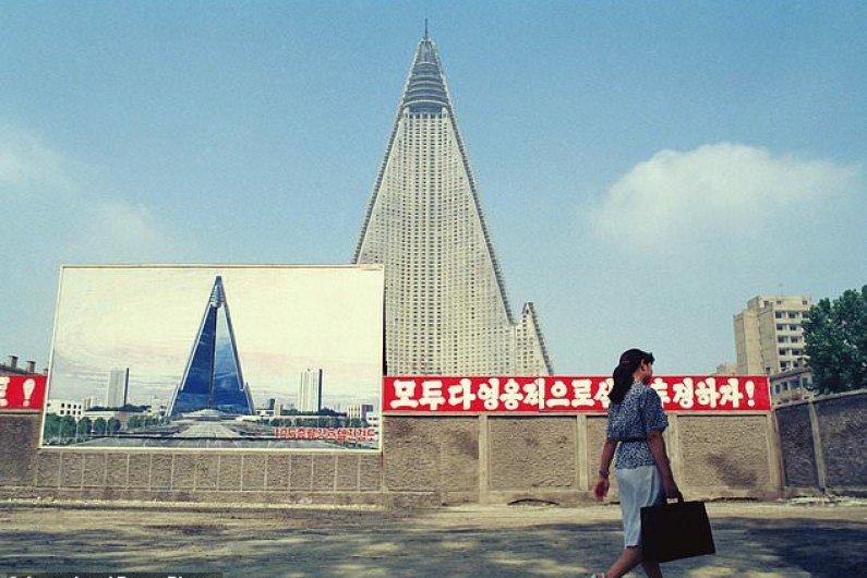 Worlds Tallest Unoccupied Building Renovates