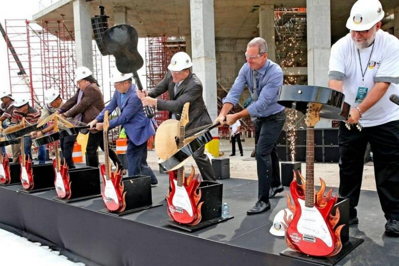 Seminole Hard Rock Hotel & Casino in Florida, Guitar-Shaped Hotel