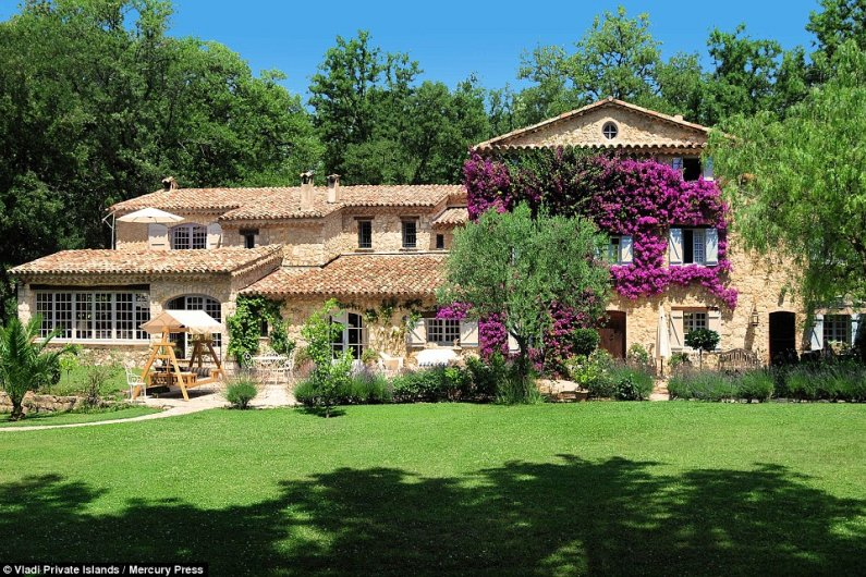 Former Home Of French Singer Edith Piaf Goes On The Market