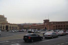 Вернуть Площади Еревана Горожанам