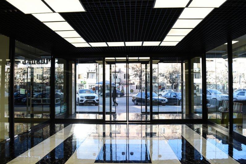 Սահող ավտոմատ դռներ