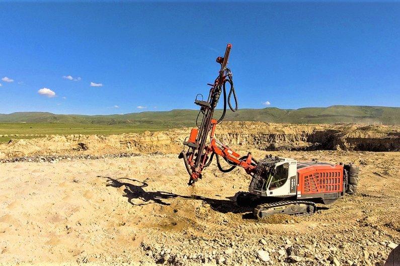 Drilling rig Sandvik Tiger DG810