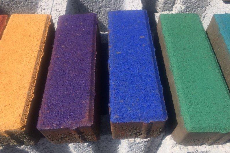 բետոնե գունավոր սալիկներ