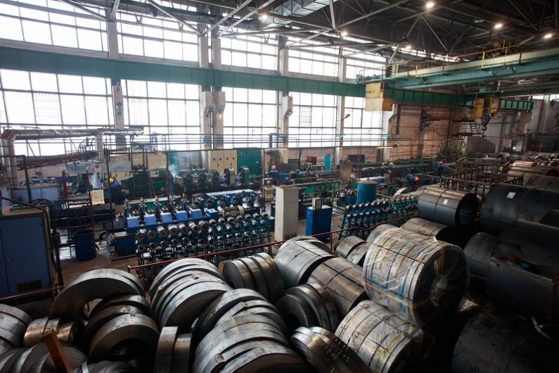 Manufacture of quadrangular steel pipes